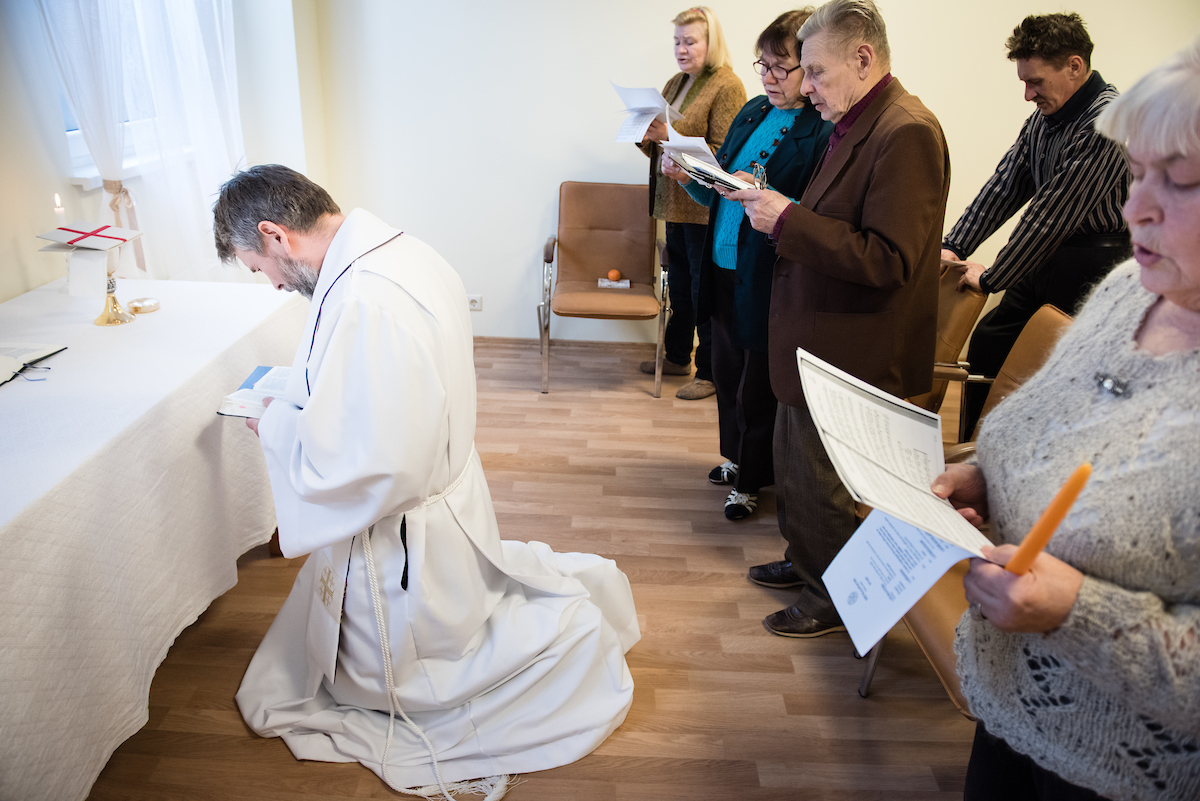 The Rev. Ivo Kirsis, a parish pastor in The Evangelical Lutheran Church of Latvia, leads Divine Service.